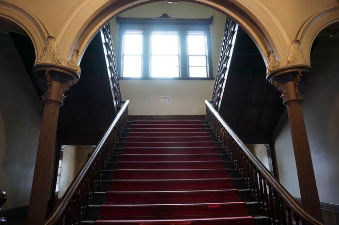 赤れんが庁舎階段