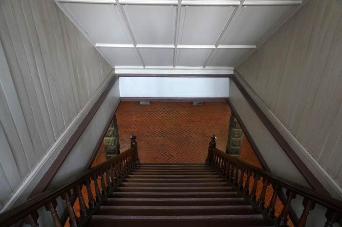赤れんが庁舎地下
