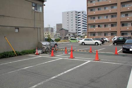 たぬき屋駐車場