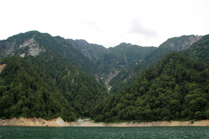 黒部湖と北アルプス