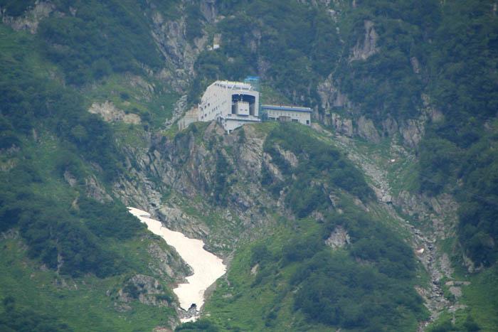 立山ロープウェイの大観峰駅