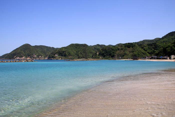 竹野浜の青い海