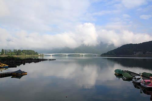 山岸旅館前の河口湖