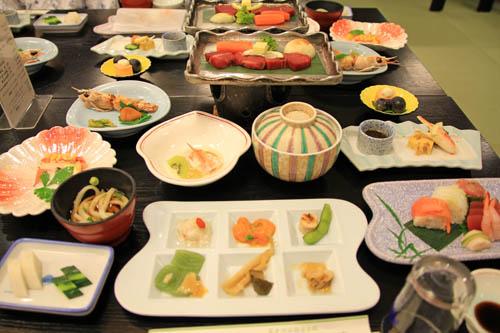 山岸旅館夕食
