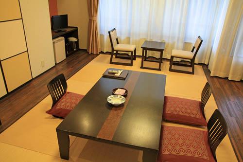 山岸旅館客室