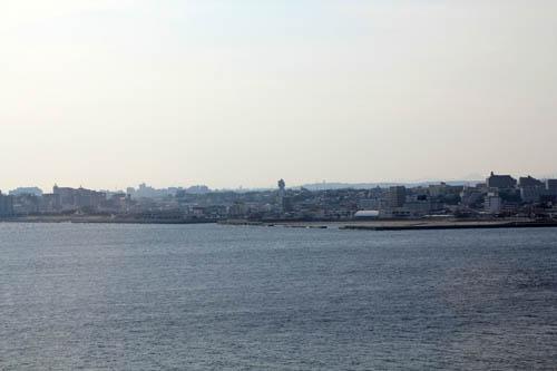 舞子海上プロムナードから望む明石市