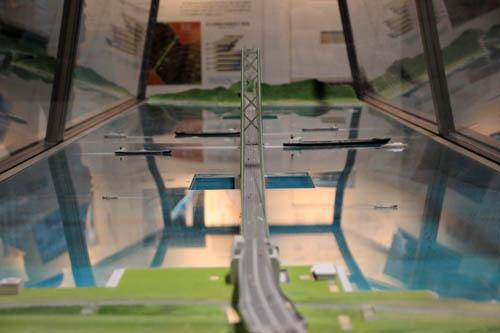 明石海峡大橋模型