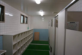 伊毘うずしお村オートキャンプ場シャワー室