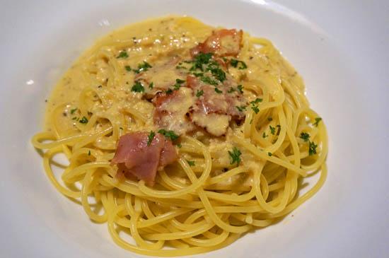 オールドスパゲティファクトリー神戸店のカルボナーラ