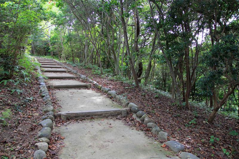 横山展望台への遊歩道