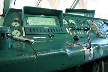 0系新幹線運転席