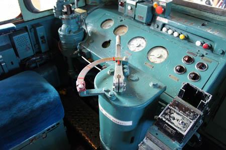 ディーゼル機関車運転席