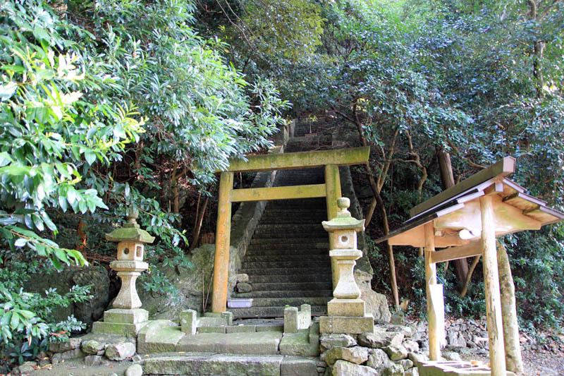 浦神社参道
