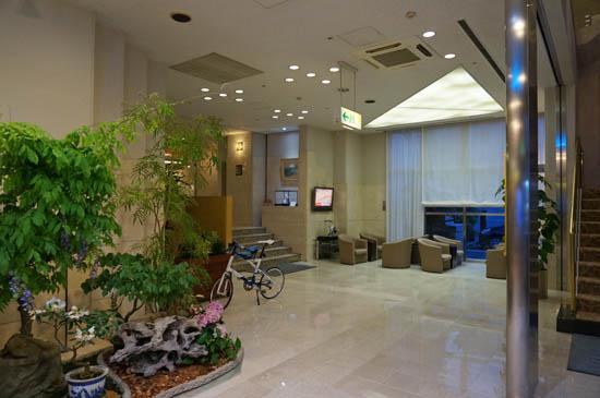 尾道国際ホテルロビー