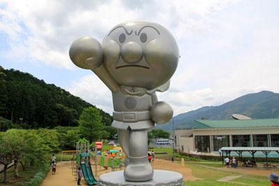 やなせたかし記念館アンパンマンミュージアムアンパンマン巨大像