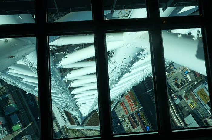 東京スカイツリー展望デッキのガラス床