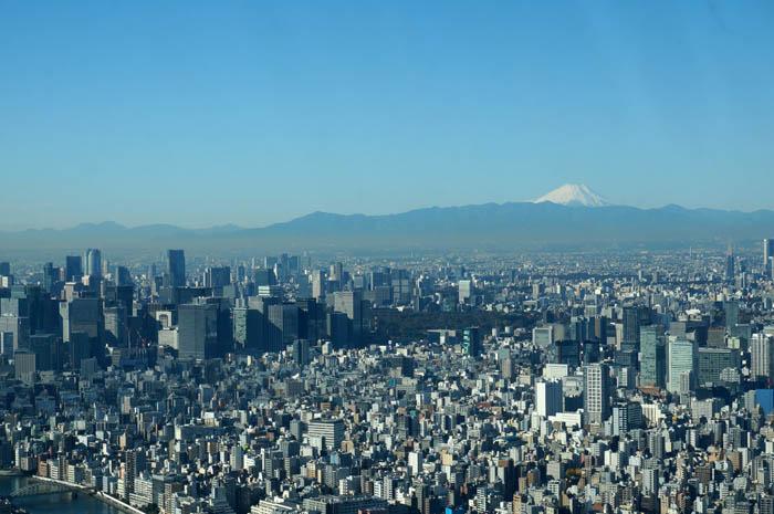 東京スカイツリー天望デッキからの富士山