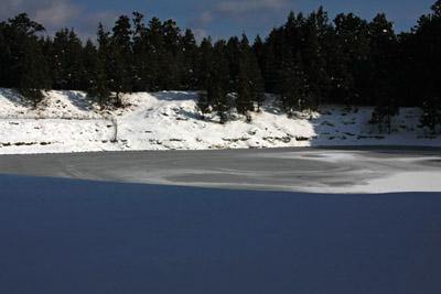 凍結した又夕の元池
