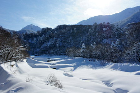 雪の大山佐陀川