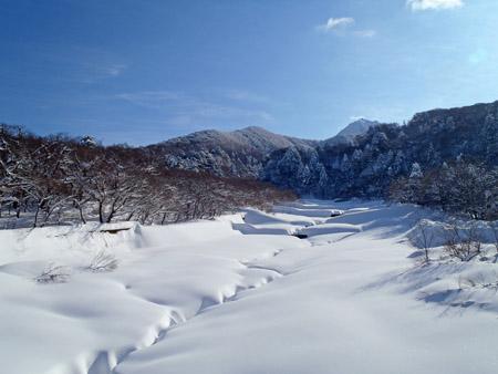 冬の大山佐陀川
