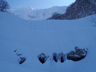 雪の佐陀川スノーシュー