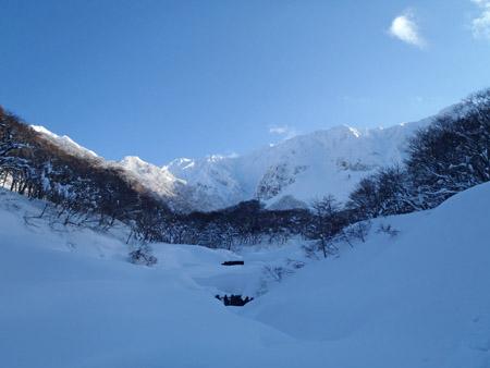 冬の佐陀川と雪の大山