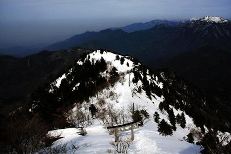 雪の石鎚山夜明峠
