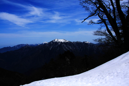 雪の石鎚登山と瓶が森