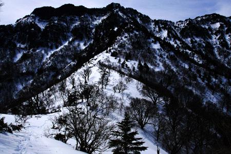 冬の夜明峠