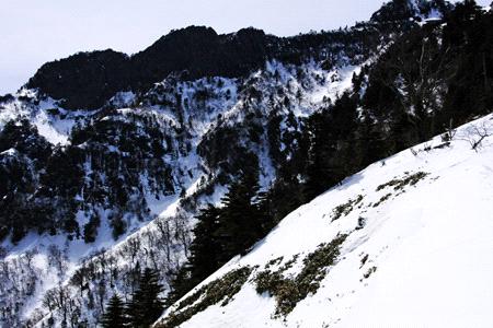 冬の石鎚山岸壁