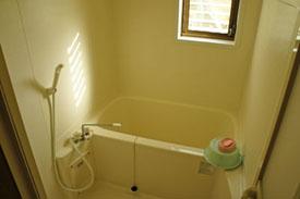 石鎚ふれあいの里ケビン浴室