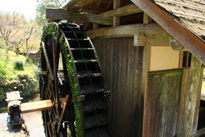 石畳清流園の水車