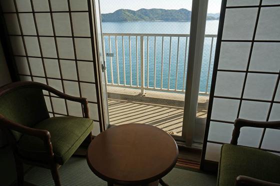鷲羽グランドホテル備前屋甲子客室からの海の眺め