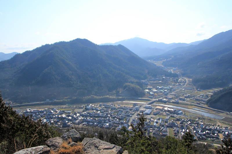 竹田城見下ろす円山川