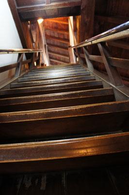 松山城天守閣の階段