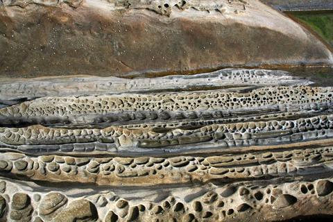 見残し海岸鎖岩
