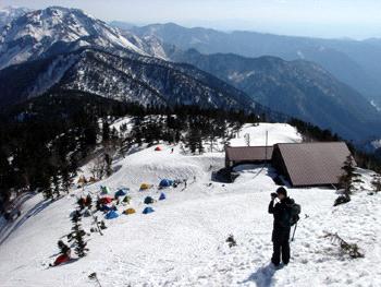 雪の西穂高山荘