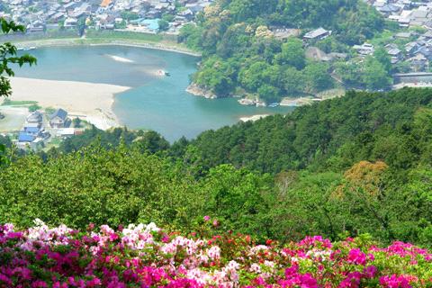 冨士山のツツジと肱川