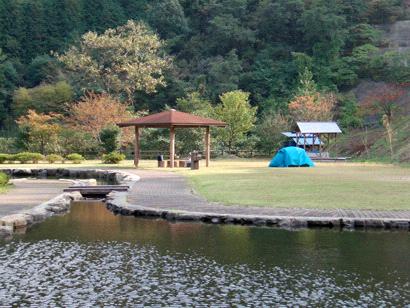 朝倉ダム湖畔緑水公園キャンプ