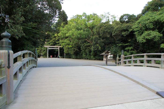 伊勢神宮外宮朝の火除橋