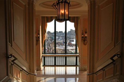 ホテルミラコスタ入園口