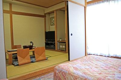 かんぽの宿伊野和洋室