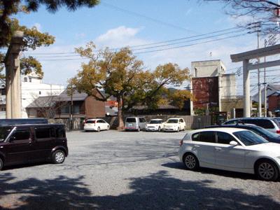手打ちうどんうぶしな駐車場