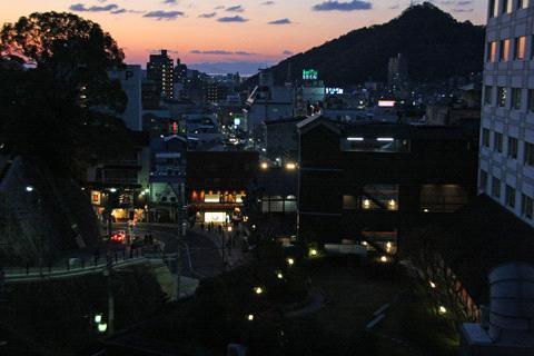 エコ道後屋上からの夜の道後