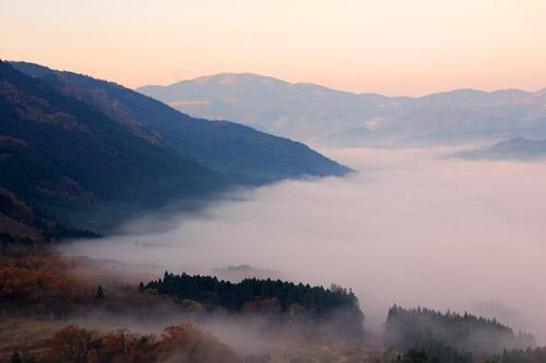 狭霧台から望む湯布院の雲海