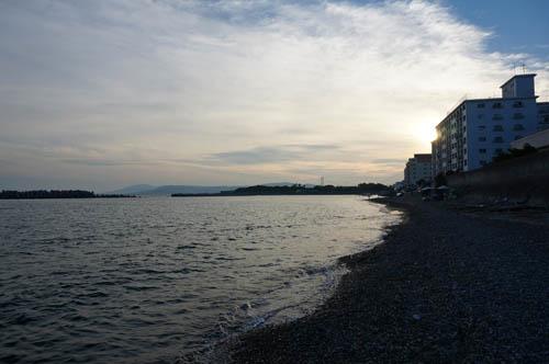 塩屋漁港のサーフ
