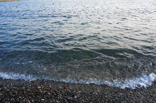 塩屋漁港のビーチ