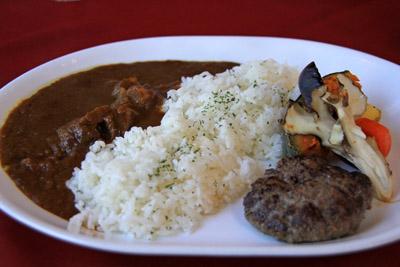 ファームレストラン千代田びえい牛ハンバーグとビーフカレー