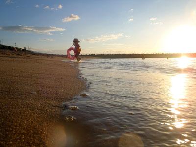 夕方のシーサイド海水浴場