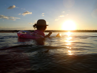 幼児連れシーサイド海水浴場